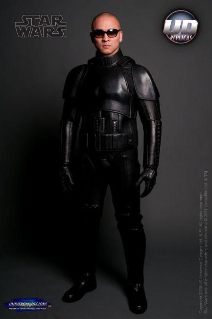 Мотоциклетный костюм, вдохновленный дизайном имперского штурмовика из «Звездных войн». Изображение № 7.