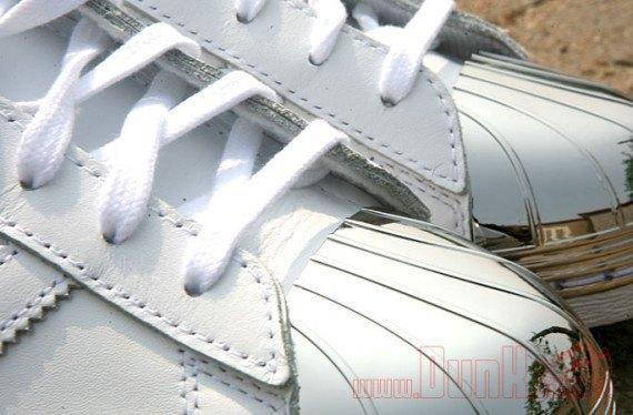 Adidas Originals выпустила кроссовки Superstar 80s с металлическими мысками. Изображение № 3.