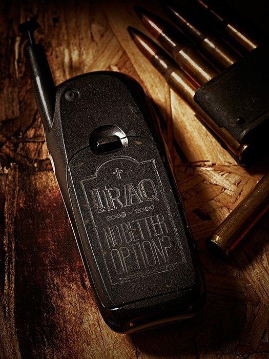 Killing for Peace: Гравировки на телефонах американских солдат. Изображение № 10.