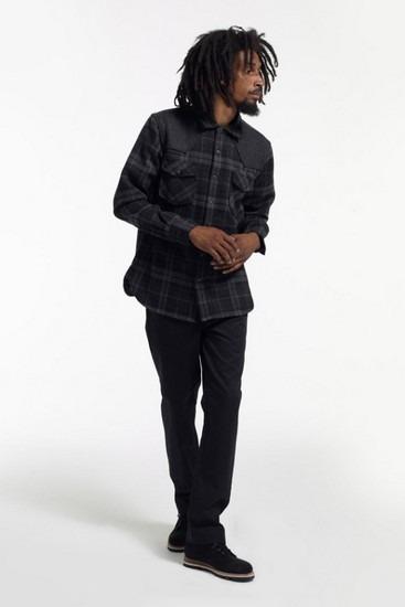 Марка Stussy опубликовала второй лукбук новой коллекции одежды своей линейки Holiday. Изображение № 15.