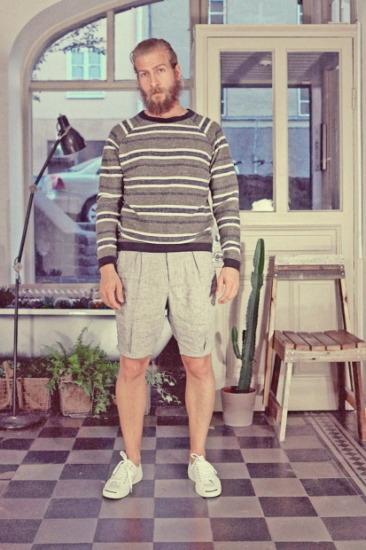 Марка Uniforms for the Dedicated опубликовала лукбук весенней коллекции одежды. Изображение № 12.