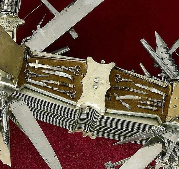 В музее США выставили «мать складных ножей» с сотней инструментов и револьвером в рукоятке. Изображение № 3.