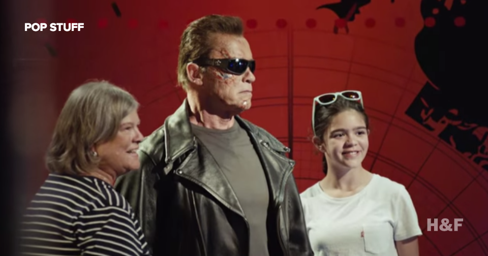 Arnold Schwarzenegger poses as wax statue, freaks people out at Madame Tussauds