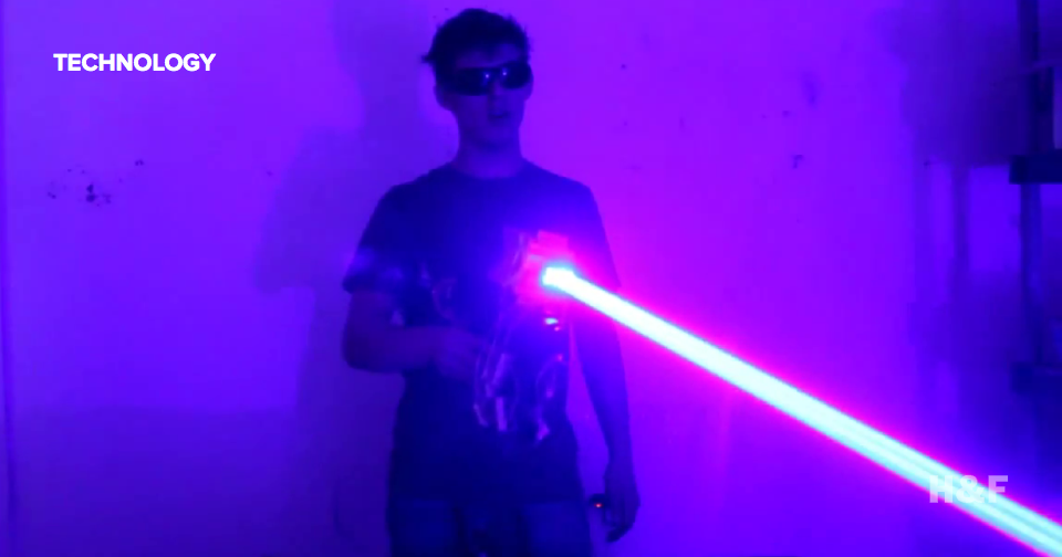 This homemade laser gun lights stuff on fire like any homemade laser gun should