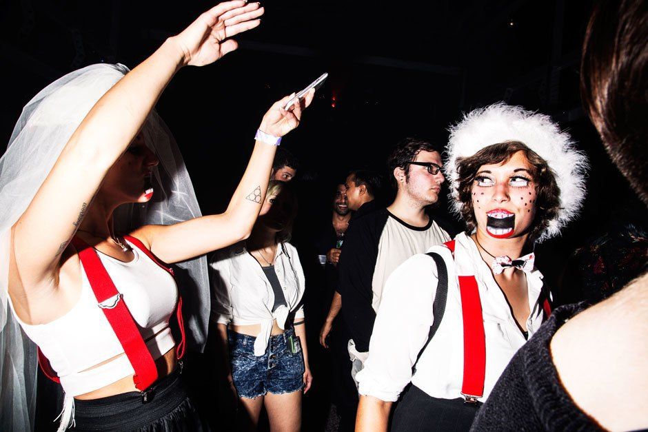 A bloody hot mess of photos from NYC's Blade Rave. Image 12.