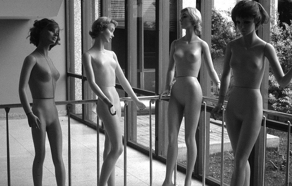 The complete history of mannequins: Garbos, Twiggies, Barbies and beyond. Image 25.