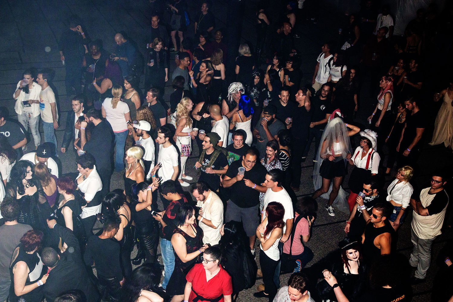 A bloody hot mess of photos from NYC's Blade Rave. Image 17.