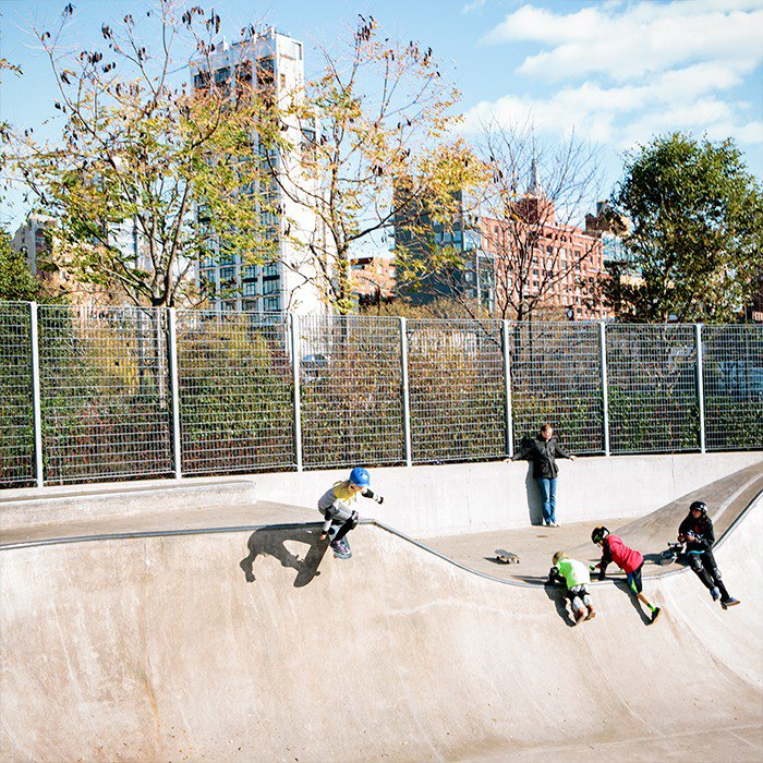 Fighting fear with the skater girls of NYC. Image 9.