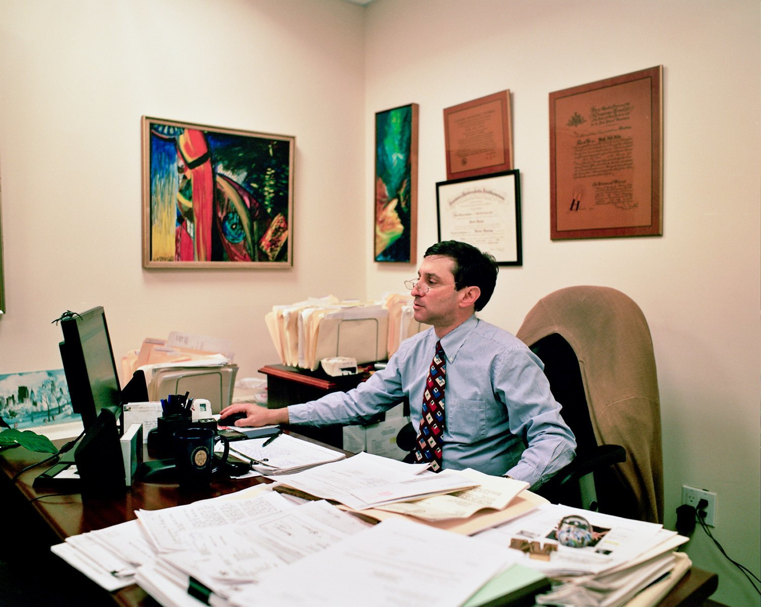 Battle for the ballots: inside the offices of U.S. third parties. Image 4.