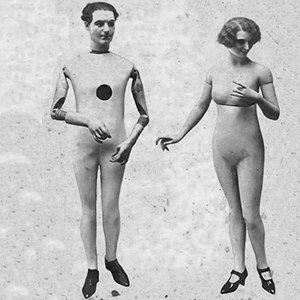 The complete history of mannequins: Garbos, Twiggies, Barbies and beyond. Image 10.