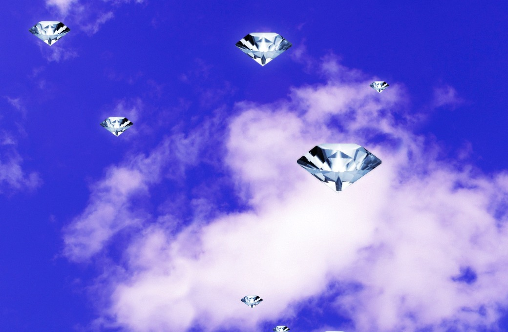 Музыкальное поздравление: Юрий Сапрыкин поет «Diamonds» Рианны