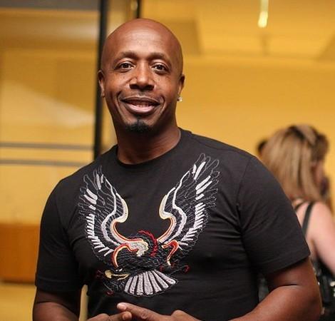 MC Hammer против Jay-Z — Музыка на Look At Me