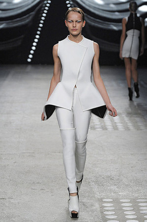 Показ: Gareth Pugh spring 2012 Ready-to-Wear — Мода на Look At Me