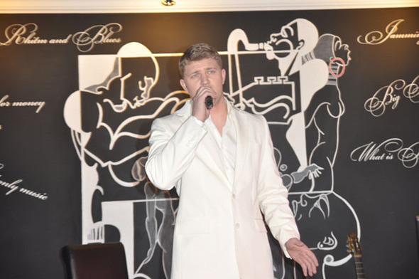 """Финалисты украинского """"X-фактора"""" дали первый """"заказной"""" концерт — Музыка на Look At Me"""