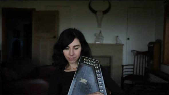 Видеоверсия альбома PJ Harvey «Let England Shake» закончена — Музыка на Look At Me