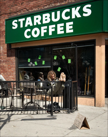 Starbucks предлагает литровую порцию кофе — Дизайн на Look At Me