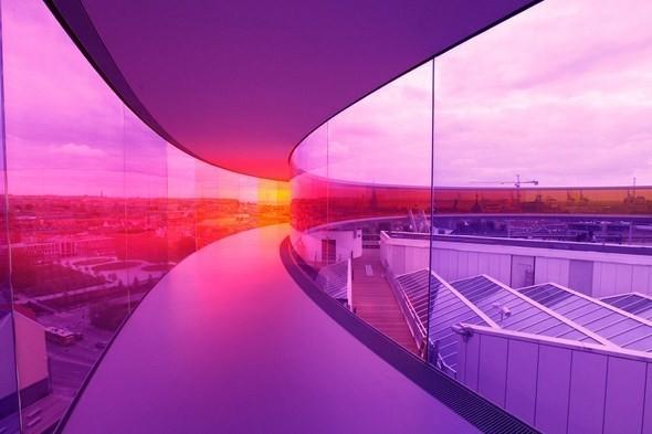 Архитектурное бюро Olafur Eliasson придумало радужную панораму — Архитектура на Look At Me
