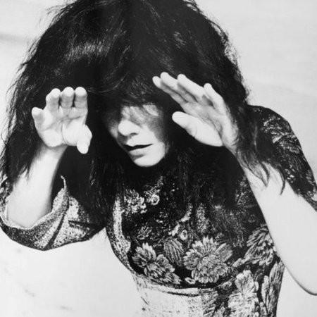 Бьорк представила первый сингл с альбома «Biophilia»