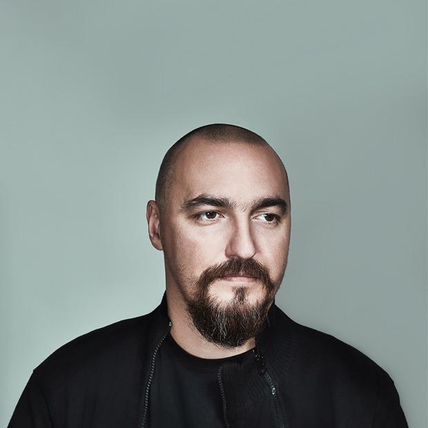 «Вот почему его называют зомбоящиком»: Бывший арт-директор НТВ  о дизайне на телевидении  — Интервью на Look At Me