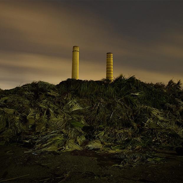 Фабрики из хоррора: ночная индустриальная фотография — Репортаж на Look At Me