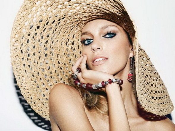 Аня Рубик в рекламе Apart Jewelry — Мода на Look At Me