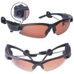 «Шпионский» гаджет: солнцезащитные очки с МР3-плеером и 1,3-мегапиксельной камерой — Гаджеты на Look At Me