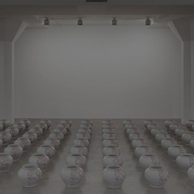 «Упс»: Как люди случайно пачкают, разбивают и съедают современное искусство — Индустрия на Look At Me