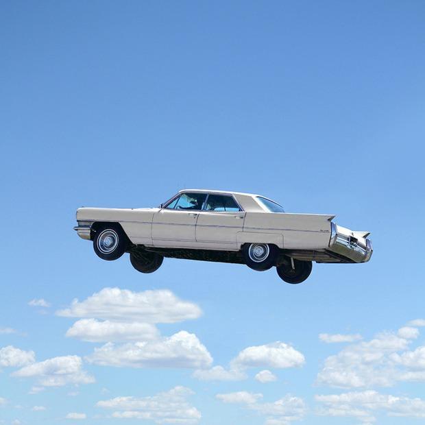 Почему мы до сих пор не летаем на автомобилях и дронах?