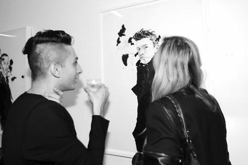 В «Цветном» открылась выставка Роберта Нока и Six Scents — Мода на Look At Me