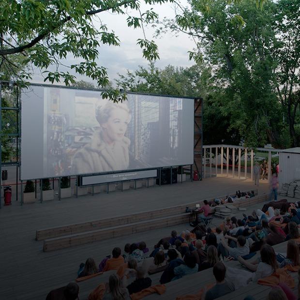 Как создавались «Пионер», «Центр документального кино» и другие новые кинотеатры — Интервью на Look At Me