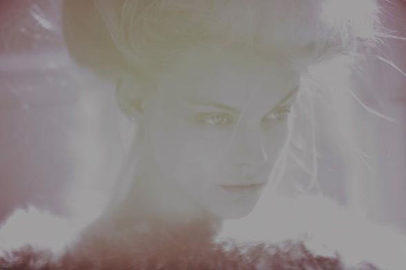 Виктория Сасонкина в Glam Noveau Naag — Мода на Look At Me