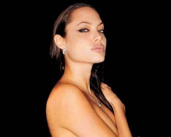 Анджелина Джоли стала лицом Louis Vuitton