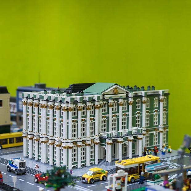 Как выглядит первый музей LEGO в Санкт-Петербурге