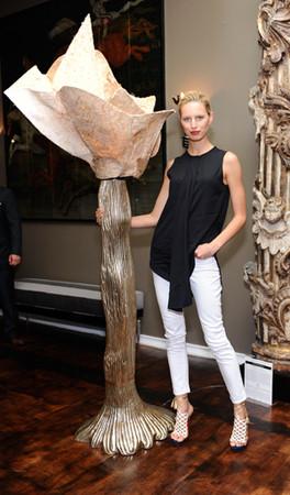 Каролина Куркова занялась дизайном мебели