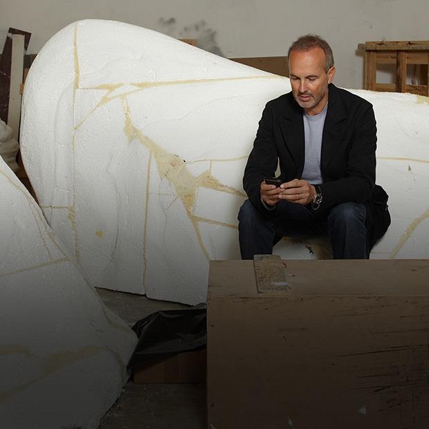 Эрвин Вурм о современной скульптуре и сосиске как символе европейской культуры