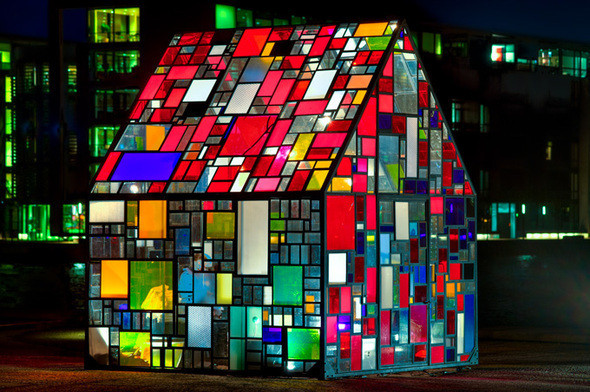 Tom Fruins Outdoor Sculpture — Стрит-арт на Look At Me