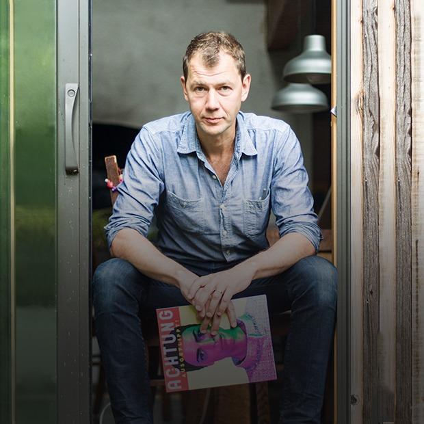 Как Антон Юхновец  прошел путь от таксиста  в Нью-Йорке  до арт-директора GQ