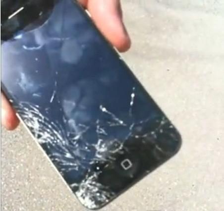Apple iPhone 4. Краш-тест мобильного телефона — Мода на Look At Me
