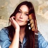 "Rhythm of the day – Carla Bruni ""Quelqu'un m'a dit"""