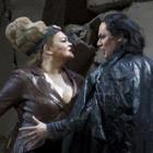 Prada создали костюмы для оперы