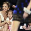 Дженнифер Лопес впервые привела четырехлетнюю дочь на модный показ