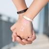 Часы Ritot проецируют время на руку пользователя