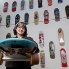 Выставка скейтбордов в галерее Бэдфорд