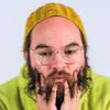 Дэн Дикон синхронизировал клип с мобильным приложением