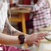 В рекламе iPhone 5, вероятно, «засветились» часы iWatch