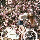 BIKES AND FLOWERS. Майский каталог Urban Outfitters