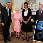 Супруги Обама и их оригинальный подарок