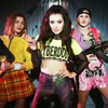 Вечеринка на оружейном заводе в новом видео Charli XCX
