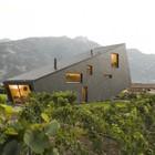 Дом в горах от Nunatak Architectes