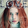 Хлоя Морец и Хейли Стейнфелд на обложке Love